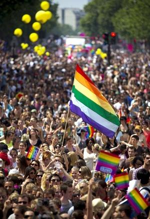 La juventud es un símbolo en la marcha del orgullo lésbico gay.
