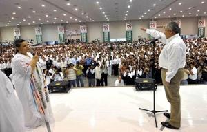 El equipo de campaña del malogrado candidato del PRI-PVEM-Panal suspendió todas las actividades en el estado.