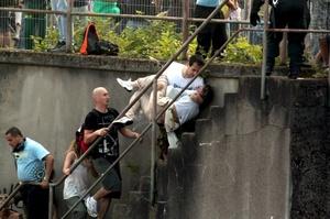 Cientos de personas quedaron atrapadas, al desatarse el pánico en el interior de un túnel cercano a la fiesta en Duisburgo, lo que originó la tragedia.