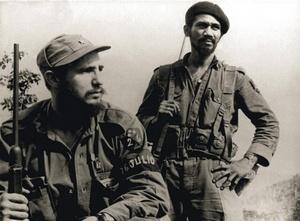 Por todos los caminos de la Sierra: la victoria estratégica narra los combates de las fuerzas rebeldes que encabezó Castro en la Sierra Maestra contra el ejército de Fulgencio Batista en 1958, y que significó el enfrentamiento de 300 guerrilleros contra la ofensiva de más de 10,000 soldados del Gobierno.