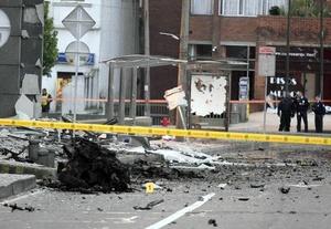 Ni el personal de la agencia Efe en Bogotá ni sus instalaciones, situadas en el complejo de edificios sufrieron daños a causa de la potente explosión.