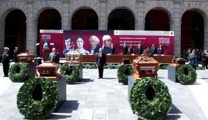 Dos bandas militares entonaron el Himno Nacional de México y se ofreció un homenaje a los beneméritos de la patria en grado heroico.