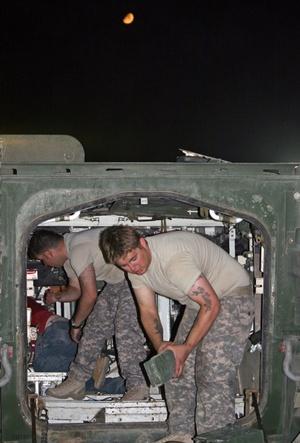 Portarán armas como defensa personal y acompañarán a tropas iraquíes en misiones, pero sólo si se les solicita. Fuerzas especiales continuarán ayudando a los iraquíes a cazar terroristas.