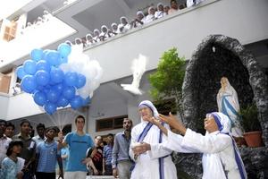 La misionera es aún muy popular, por encima de las creencias religiosas.