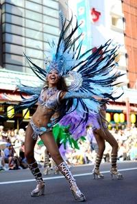 Algunas de las compañías  interpretaron una imitación digna carnaval de Río.