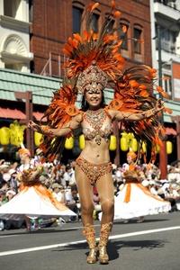 La samba puso patas arriba el barrio más antiguo de Tokio.