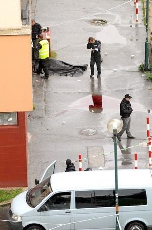 La policía eslovaca, adelantó que el hombre era un ex soldado, por lo que tenía armas.