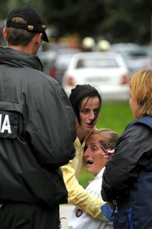 Varios medios señalan que comenzó a disparar contra una familia de gitanos.