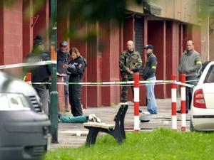 El sujeto de 50 años de edad disparó indiscriminadamente contra los vecinos en el barrio Devinska Nova Ves de Bratislava, y luego se suicidó.