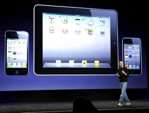 El consejero delegado de Apple, Steve Jobs, anunció el mayor cambio en la historia de los iPod después de 275 millones de unidades vendidas en todo el mundo.