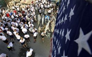 Soldados estadounidenses en Afganistan, recordaron los ataques con una convivencia y una carrera.