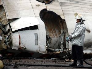 El avión, no produjo heridos en tierra al caer en una zona de almacenaje de Sidor, uno de los principales polos industriales del país.