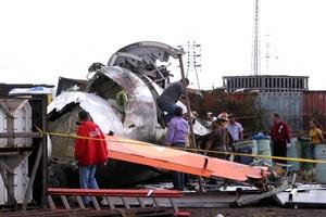 La intervención oportuna de las autoridades pudieron rescatar una gran cantidad de personas.