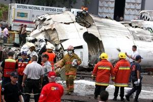 En la aeronave viajaban 47 pasajeros y cuatro tripulantes.