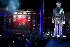 Como un mudo testigo de esta fiesta bicentenaria, 'El Coloso', de ocho toneladas y 15 metros de altura, era un espectáculo nunca visto en México.