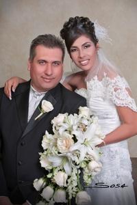 Srita. Deyanira Lozoya Rivera unió su vida a la del Sr. Jorge Candelas Ramírez. <p> <i>Studio Sosa</i>