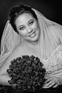 Lic. Cinthya Lizeth Ávila Esparza el día que unió su vida a la de Lic. José Antonio Sánchez Espejo <p> <i>Estudio Laura Grajeda</i>