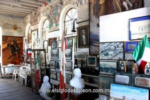 El Museo de la Revolución está situado justo en el límite de Torreón y Gómez Palacio, en lo que se conoce como la Casa Colorada.
