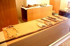 Se puede encontrar variedad de objetos hallados en una cueva en Coahuila.