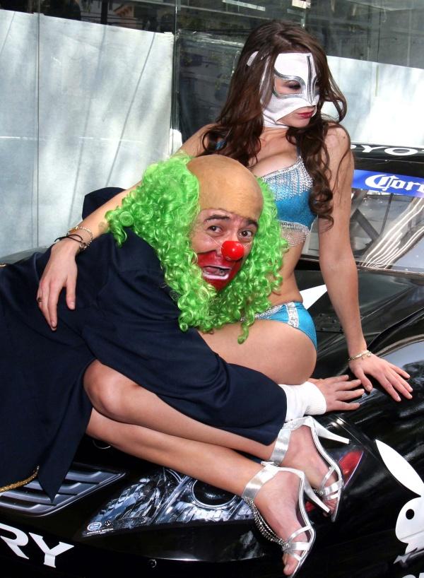 ... 2010 en la imagen de la portada de octubre de playboy aparecen brozo y