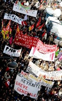 No serán los provocadores quienes tengan la última palabra en una democracia, expresó Sarkozy a funcionarios locales en el centro de Francia al tiempo que se comprometió a buscar y castigar a los responsables de los desmanes.
