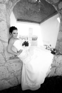 Señorita Norma Leticia Sánchez Ortiz, el día que unió su vida a la del señor Jenny Francisco Pedro.- <p> <i>Luciano Laris</i>