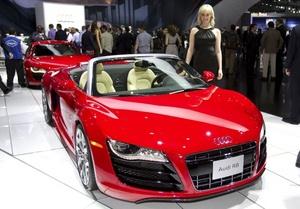 El nuevo Audi R8 fue presentado en el Salón Internacional del Automovil de Los Ángeles, Estados Unidos.