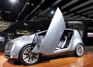 El híbrido Cadillac Urban Luxury Concept es exhibido.