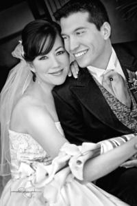 Srita. Ana Sofía Esparza Chávez y Sr. Víctor Hugo Escajeda Urrutia el día que unieron sus vidas en matrimonio. <p> <i>Estudio Laura Grageda</i>