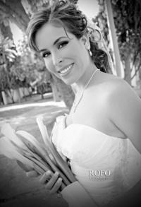 Srita. Jacqueline Gómez Jácquez el día que unió su vida a la del Sr. Gerardo Ibarra Macías. <p> <i>Rofo Fotografía</i>