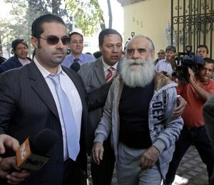 El Mundo de España destacó que el Jefe Diego perdonó a los secuestradores pero criticó al gobierno mexicano.
