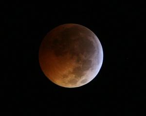 El próximo eclipse lunar total llegará en junio de 2011, pero no se podrá observar en Norteamérica.