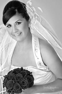 Srita. Laura Elena Loera García y Sr. Jorge Rubén Ramírez Varela el día que unieron sus vidas en matrimonio.- <p> <i>Estudio Laura Grageda</i>