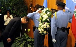 El secretario general de la ONU, Ban Ki-moon, urgió a la comunidad internacional a redoblar su compromiso con el país antillano.