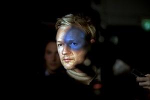 La fotografía del fundador de WikiLeaks Julian Assange tomada el 30 de septiembre de 2010 en Londres por el fotógrafo irlandés Seamus Murphy, de VII Photo Agency, ha ganado el segundo premio en la categoría de fotografías individuales de personajes de actualidad.