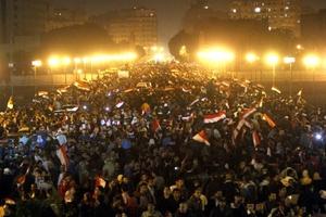 La caída del régimen de Hosni Mubarak en Egipto, a causa de multitudinarias protestas en su contra, provocará un 'efecto dominó' que determinará el futuro del resto de los países árabes.
