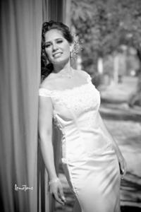 Sarah Arlette Uribe Menchaca captada el día de su boda con el Ing. Domingo Hernández Bañuelas. <p> <i>Lemotions</i>