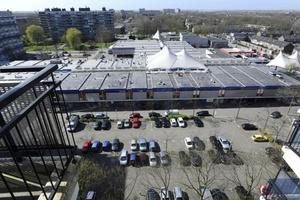 Según el alcalde interino, el centro comercial estaba 'muy animado', pues numerosas 'familias con hijos hacían compras'.