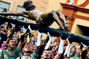 ESPAÑA. Caballeros legionarios procedentes del Tercio ´Duque de Alba´ trasladan al Santísimo Cristo de la Buena Muerte.