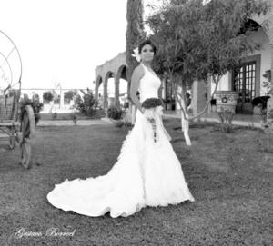El día que contrajo matrimonio la Srita. Fátima Zamarripa Aguayo con el Sr. Eduardo Liborio Pérez Hernández. <p> <i>Gustavo Borroel Fotografía</i>