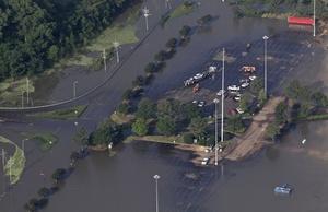 Advierten a los residentes tomar precauciones en los siguientes dos días y estar preparados para evacuar si se reside a una distancia de 90 metros de ríos.