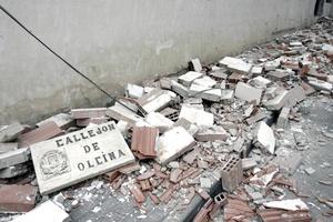 El sismo ha desplomado dos grandes edificios en el centro de Lorca, España.