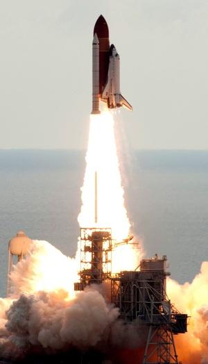 Los astronautas del Endeavour y de la Estación Espacial Internacional (EEI) realizarán diversos experimentos científicos.