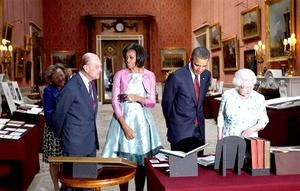 Barack Obama, visitó la colección artística de la reina Isabel II de Inglaterra.