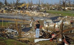 Es el tornado más mortífero ocurrido en todo el país desde que el Servicio Meteorológico Nacional comenzó a registrar información hace 61 años, por encima del que en 1953 dejó 115 muertos en Flint (Michigan).