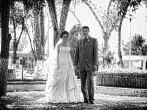Soto Ayala y Jonathan Martínez Argumedo, captados el día de su unión matrimonial.- <p> <i> Maqueda Fotografía</i>