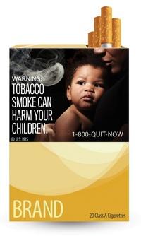 Un debilitado recién nacido en una incubadora acompaña el aviso sobre fumar durante el embarazo, mientras que la advertencia sobre el cáncer aparece al lado de una boca infectada, y la frase fumar puede matarle se muestra junto a un cadáver en la morgue.