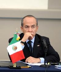 El gobernante mexicano rechazó que el Estado sea el generador de la violencia que vive el país y la atribuyó a los enfrentamientos que libran las organizaciones del crimen organizado.