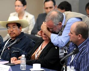 El poeta Javier Sicilia expresó que acudieron al diálogo sobre seguridad con el presidente Felipe Calderón porque es el instrumento para construir los caminos de la paz.