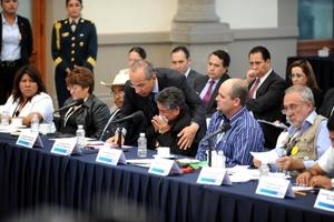 Omar Esparza y Julián Le Barón pidieron al Presidente no nos insulte.